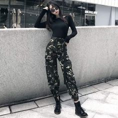 Look at this Trendy korean street fashion You can find Korean street fashion and more on our website.Look at this Trendy korean street fashion Hipster Outfits, Kpop Outfits, Edgy Outfits, Mode Outfits, Korean Outfits, Grunge Outfits, Grunge Fashion, Look Fashion, Girl Fashion