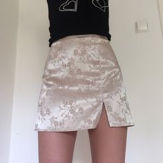 0ae1e67eb Amazing oriental style gold vintage floral skirt with side split W28 fits  like a size 10