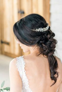 Brides looking to cover their reception with greenery but don't want to break their budget need to see this rustic glam wedding that features two alternatives to achieve the look. Bridal Braids, Bridal Hairdo, Wedding Updo, Elegant Wedding, Bridal Makeup For Blondes, Bridal Hair And Makeup, Best Wedding Hairstyles, Bride Hairstyles, Hairstyles Haircuts