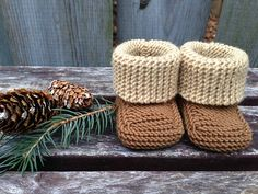 Ravelry: Color Block Baby Booties pattern by Flora Cheung