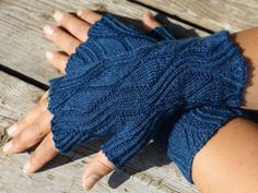 Unicurve Mitts by Jeannie Cartmel. Knit in Sapphire Heather Stroll by jeanniefanihi on Ravelry.