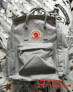 Very non fake 15 Kanken from a market in China – grey Aesthetic Backpack, Gray Aesthetic, Aesthetic Photo, Birthday Diy, Birthday Cakes, Kanken Backpack, Projects To Try, China, Backpacks