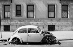 An%20abandoned%20Volkswagen%20on%20109th%20Street%20between%20Central%20Park%20West%20and%20Manhattan%20Avenue.%20July%2014,%201981.