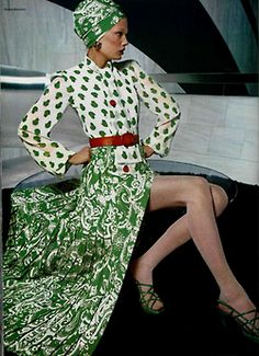 70s fashion - love the color and pattern mix