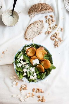 ... spinach and grilled peach salad ...