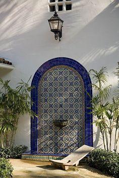 Spanish style homes – Mediterranean Home Decor Spanish Revival Home, Spanish Bungalow, Spanish Style Homes, Spanish House, Spanish Colonial, Spanish Pool, Spanish Garden, Patio Design, Exterior Design