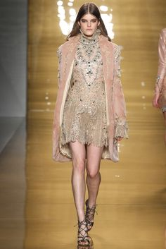 Reem Acra Fall 2015 Ready-to-Wear - Collection - Gallery - Style.com  Baroque figure skating, anyone?  http://www.style.com/slideshows/fashion-shows/fall-2015-ready-to-wear/reem-acra/collection/4