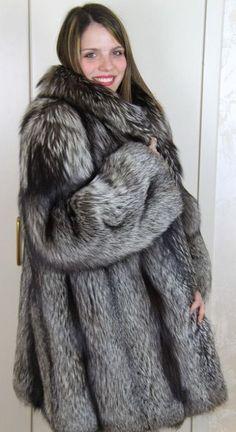 Fox Fur Jacket, Fox Fur Coat, Vest Jacket, Fur Fashion, Womens Fashion, Sheepskin Coat, Jackets For Women, Clothes For Women, Cape Coat