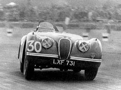 Jaguar XK120 Duncan Hamilton Competition Roadster (1950) Vintage Racing, Vintage Cars, Antique Cars, Vintage Auto, Vintage Photos, My Dream Car, Dream Cars, Automobile, Jaguar Xk120