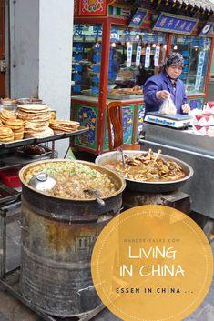 Wieviel das chinesische Essen das wir kennen tatsächlich mit dem Essen in China zu tun hat … Living In China, Peregrine Falcon, Chinese Food, Life