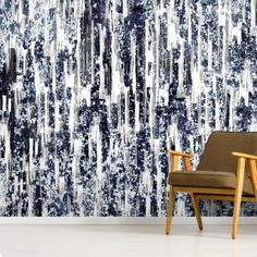 Stunning Indigo Garden 2 wall mural from Wallsauce. This high-quality Indigo Garden wallpaper is custom made to your dimensions. Free delivery to New Zealand within 5 to 7 working days. Artistic Wallpaper, Room Wallpaper, Photo Wallpaper, Designer Wallpaper, Green Home Decor, Diy Home Decor, Wall Painting Living Room, Pastel Grey, Library Images