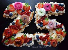 E' la Cream Tart, la torta che sta spopolando sul web. Arriva dall'America ed un'esplosione di colori! Clicca per la ricetta completa!