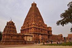 9 Places to See Magnificent South India Temples: Thanjavur (Tanjore) Temples in Thiruvanamauli and The Holy Mountain • Siva Temple-Tanjavore • Perur & Marudhamalai Temple in Coimbatore