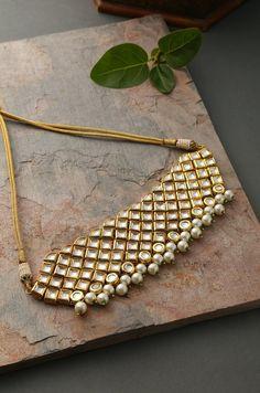 Indian Jewelry Earrings, Indian Jewelry Sets, Jewelry Design Earrings, Indian Wedding Jewelry, Gold Earrings Designs, Geek Jewelry, Gothic Jewelry, Women's Jewelry, Bridal Jewelry
