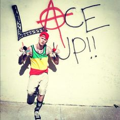 This guy changed my life just by music. I'd LOVE to meet him! MGK #LTFU..