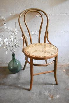 This unique dining room chair upholstered is genuinely a stunning design alternative. Vintage Desk Chair, Vintage Dining Chairs, Vintage Cafe, Vintage Wood, Vintage Library, Etsy Vintage, Bentwood Chairs, Upholstered Chairs, Rattan Armchair