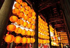 Longshan Temple,taipei Photo by what to do in Taipei for 3 days blog.