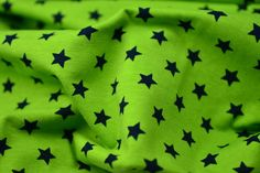 Achtung 2. Wahl! Jersey Sternchenstoff grün/schwarz
