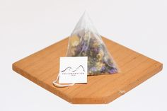 Oolong Blossoms Pyramid Tea Sachets from collaboration tea.   Find out more www.collabtea.com