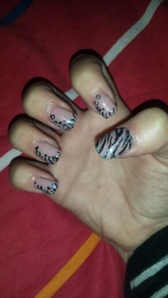 nails art black silver