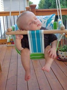 DIY Hammock-Type Baby Swing…with instructions! Cuteness! @ DIY Home Ideas.