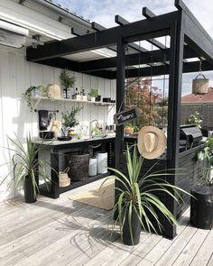 38 New Ideas Black Pergola Patio Outdoor Living Backyard Patio Designs, Pergola Patio, Backyard Landscaping, Patio Ideas, Veranda Pergola, Balcony Ideas, Outdoor Rooms, Outdoor Gardens, Outdoor Living