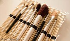 Lett å lage, ikke mer krøll i koster Diy Makeup, Make Up, Beauty, Makeup, Beauty Makeup, Beauty Illustration, Bronzer Makeup
