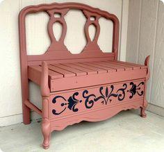 Banco feito de cabeceiras de cama recicladas. veja outros modelos e como confeccionar no site abaixo: http://www.confessionsofacurbshopaholic.com/2011/08/on-headboard-benches-past-and-present.html