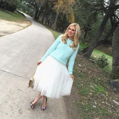 Bailey 44 Tulle Skirt, @oldnavy Mint Sweater and floral pumps via Texas Fashion Spot