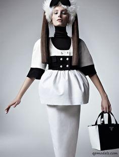 Ava Smith for Vogue Brazil (July 2013) - http://qpmodels.com/american-models/ava-smith/1932-ava-smith-for-vogue-brazil-july-2013.html