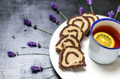 Brownie-rafaello roulade/  Weganskie brownie-rafaello roladka