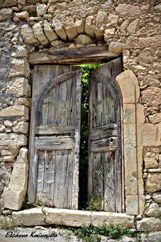 Margarites village in Rethymno Crete | Eleanna Kounoupa | Flickr Vintage Doors, Antique Doors, Rustic Doors, Wooden Doors, Old Windows, Windows And Doors, Rethymno Crete, Cool Doors, Door Knockers