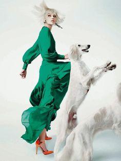"""""""Entra Nesta Festa"""": Aline Weber is Christmas Shopping Shot by Zee Nunes for Vogue Brazil December 2013"""