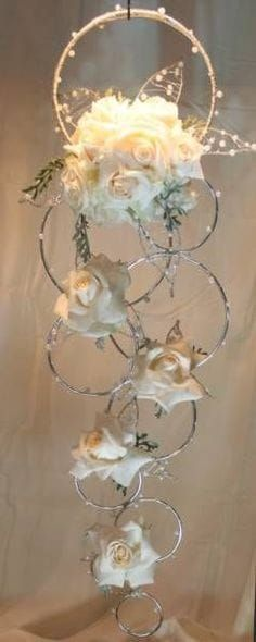 cindyanderson …, deze dame is mijn nieuwe idool. Ik wil zijn zoals deze DIVA www.cindyanderson …, this lady is my new idol. I want to be like this DIVA one Wedding Centerpieces, Wedding Bouquets, Wedding Flowers, Wedding Decorations, Christmas Decorations, Dress Wedding, Table Centerpieces, Creation Deco, Deco Floral