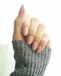 Light nude nail polish