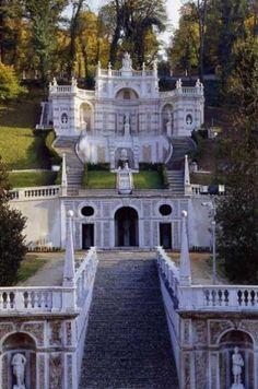 La villa della Regina a Torino Amazing Architecture, Art And Architecture, World Of Darkness, Italian Villa, Like A Local, Wonderful Places, Museums, Wonders Of The World, Countryside