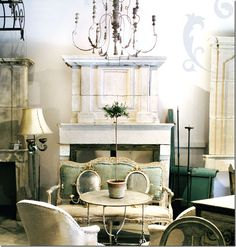 vintage settee chairs fireplace french provencal flea market eclectic home room decor ideas « eclectic revisited by Maureen Bower Vintage Settee, Vintage Room, Vintage Home Decor, Diy Home Decor, Vintage Tea, Unique Vintage, Retro Sofa, Up House, House Rooms
