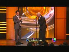 Marc Antony LLora de emocion en entrega a la exelencia en Premio lo Nues...