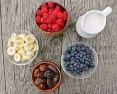 Cinnamon, date & blueberry smoothie (Deliciously Ella)