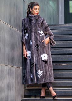 Explore the latest SARIGIANNI collection of real fur coats and bags. Modern & elegant mink coats, shearling jackets, fur-trimmed cashmere coats and more. Shearling Jacket, Fur Coat, Cashmere Coat, Fur Fashion, Innovation Design, Poses, Shirt Dress, Elegant, Feathers