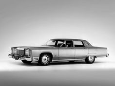 1975 Lincoln Continental Town Car (82-53B wallpaper background