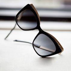 MOSCHINO MOS009 S - ÓCULOS DE SOL  oculosdesol  moschino  moschinoeyewear   style   33caa2fe4e