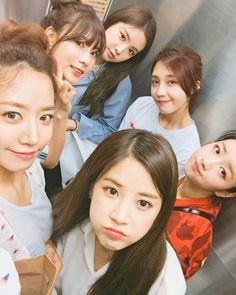 Image shared by ペンギン. Find images and videos about apink, naeun and eunji on We Heart It - the app to get lost in what you love. Kpop Girl Groups, Korean Girl Groups, Kpop Girls, Fandom, K Pop, Eunji Apink, Namjoo Apink, Bubblegum Pop, Pink Panda