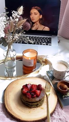 Good Morning Breakfast, Sweet Breakfast, Breakfast Recipes, Aesthetic Food, Aesthetic Girl, Aesthetic Videos, Japon Illustration, Coffee And Books, Coffee Art
