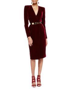 Long sleeve velvet Crossover dress by Oscar de la Renta at Bergdorf Goodman. This is very glam. Winter Dresses, Evening Dresses, Short Dresses, Dresses For Work, Velvet Fashion, Burgundy Dress, Fashion Moda, Mode Outfits, Mode Style