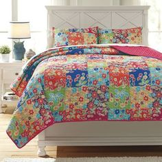 Signature Design by Ashley Belle Chase Quilt Set Size: Twin