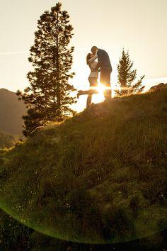 Engagement Session Columbia Gorge Oregon | Bend, OR Wedding Photographer