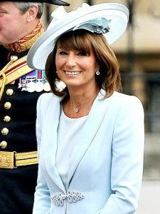 CAROLE MIDDLETON The mother of the bride adds something blue in her sky blue silk dress and matching passementerie coat by Catherine Walker (one of Princess Diana's favorites), paired with a matching hat by Berkshire based milliner Jane Corbett. Carole Middleton, Middleton Family, Kate And Pippa, Zara Phillips, Prince William And Catherine, Catherine Walker, Blue Silk Dress, Light Blue Dresses, Wedding Hats