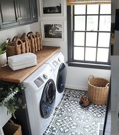 The Beautiful Laundry Room Tile Design Ideas Trap 44 - flipsyourhome Laundry Room Storage, Laundry Room Design, Laundry Closet, Small Laundry Rooms, Design Bathroom, Tile Design, Bathroom Interior, Small Bathroom, Furniture Arrangement