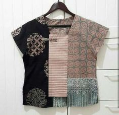 38 Ideas Sewing Clothes Women Dresses Tunic Tops For 2019 Sewing Clothes Women, Dress Clothes For Women, Diy Clothes, Blouse Batik, Batik Dress, Batik Fashion, Boho Fashion, Fashion Dresses, Mode Batik